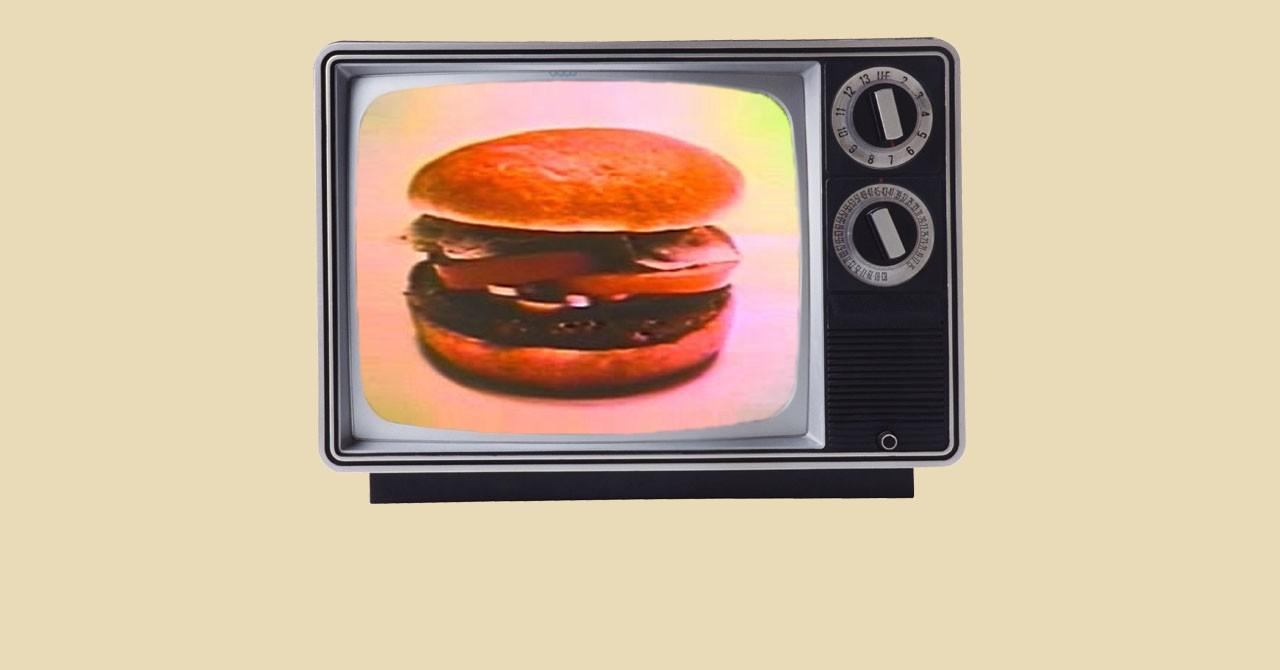Трансляция первой телевизионной рекламы БУРГЕР КИНГ.